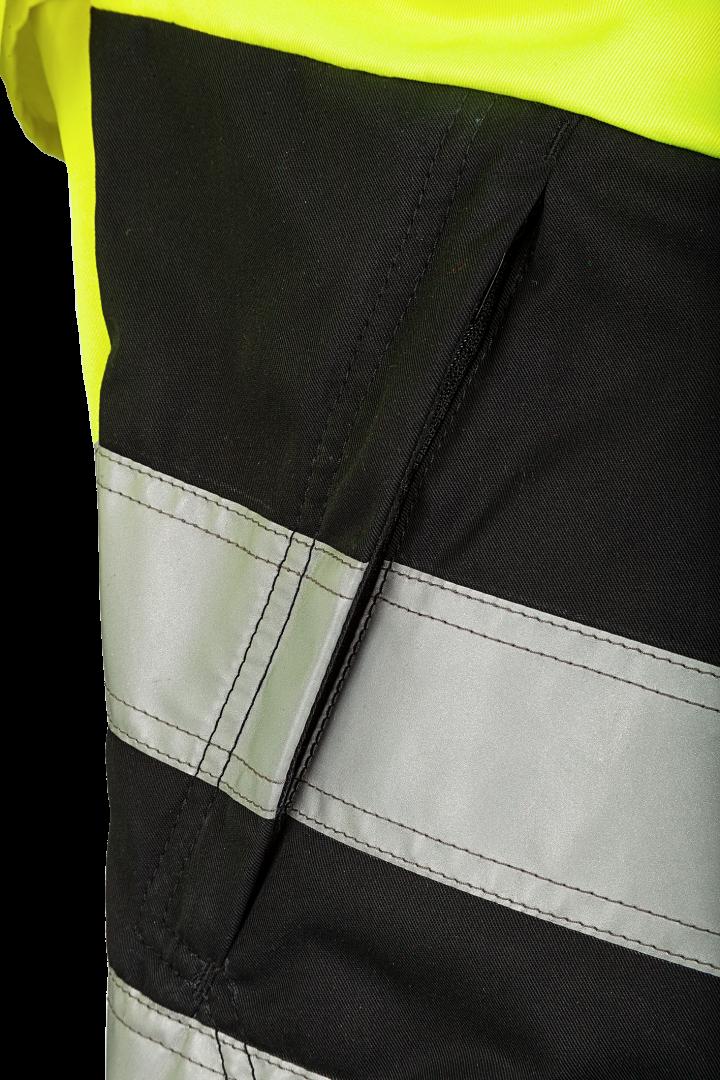 2 eingesetzte Taschen mit Reißverschluss