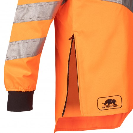 Zip closure on right hand side of the jacket to enable comfortable use of the brushcutter with a harness