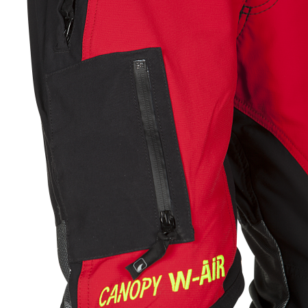 1 patched smartphone pocket with waterproof lining on the right leg with splash proof zip closure