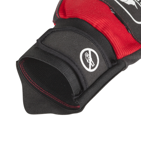 Elastic cuff with artery protection